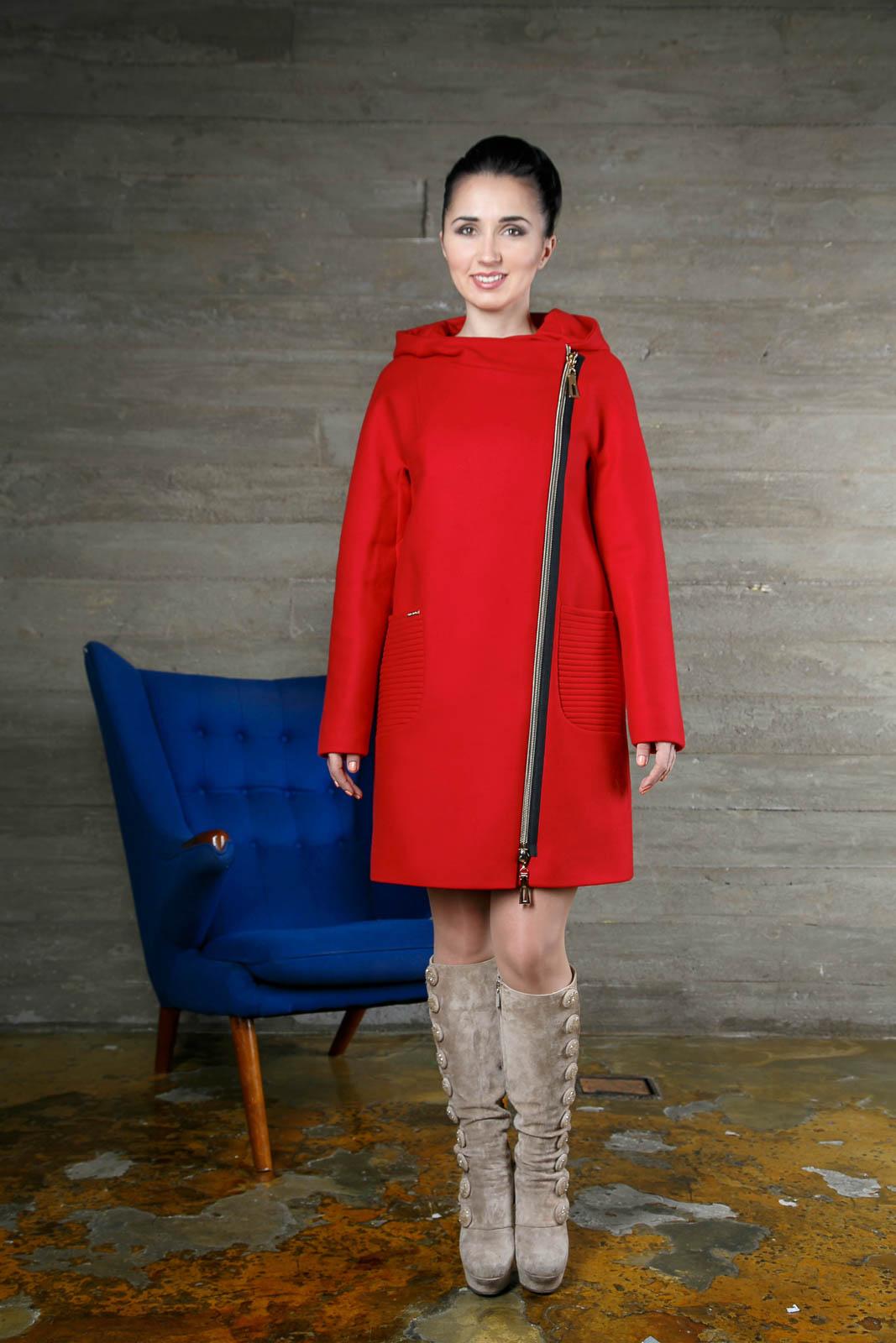Модель 994, цвет красный, размер 42,44,46. цена 11900 рублей.
